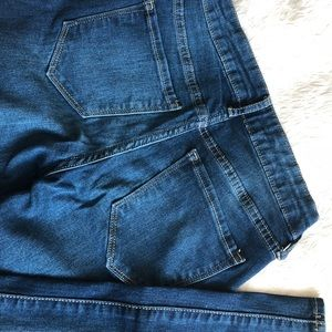 Old Navy Jeans - Old navy rockstar jeans 👖Mid rise